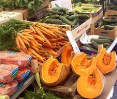 Crema di zucca e carote con crostini di pane raffermo